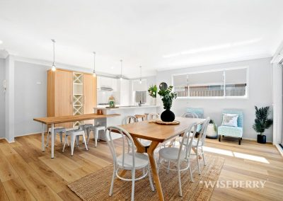 Spacious kitchen & dining area